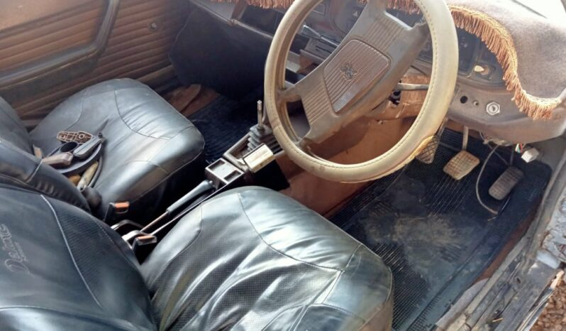 -Peugeot 504 full