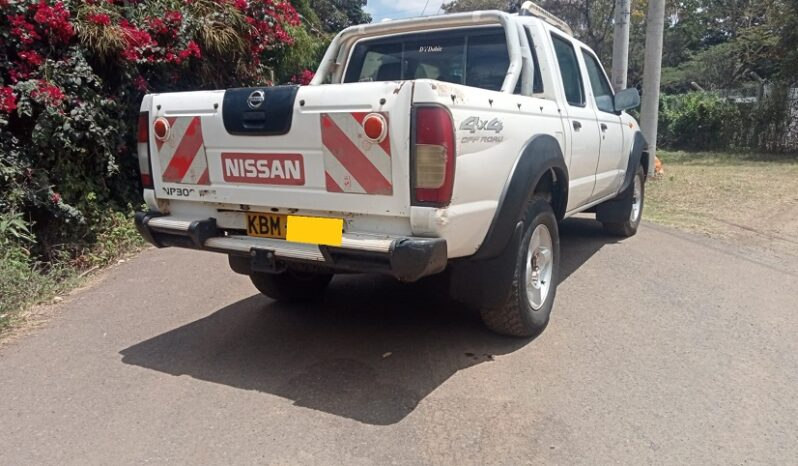 Nissan hardbody full